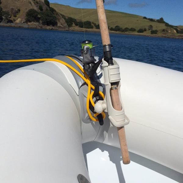 Повече от успешна комбинация на носа на лодката - основа CleatPort RIBMount и Rod Holder държач - 3