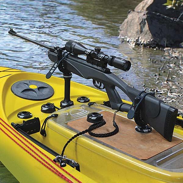 Удобно и безопасно за вас и за оръжието - с GunHold стойка и Fixed Extender удължител - 41