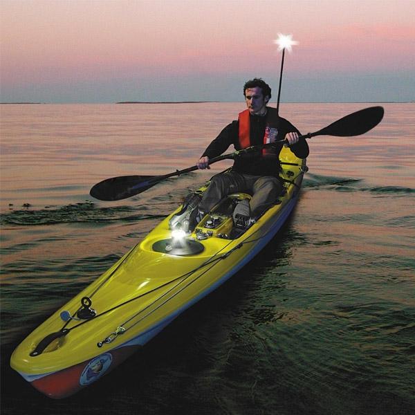 Задължително оборудване в лицето на Extenda Pole 1000, LED Navilight и Illuminate i360 - 14