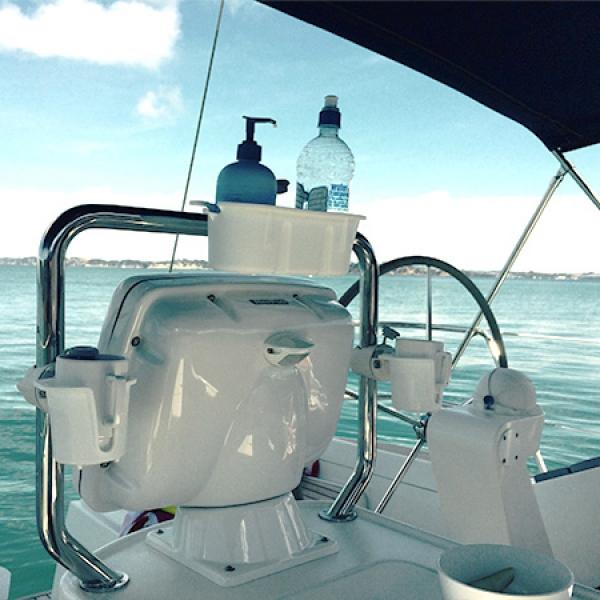 Всичко необходимо на борда - стил, красота и ред, с помощниците StowPod и DrinkHold - 4