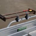 Регулиращ се държач Railblaza G-Hold 75 - монтиран на релинг