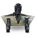 Транспортните колела за лодка Railblaza C-TUG могат да се фиксират в различни позиции като ъгъл спрямо транеца