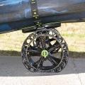 C-TUG SandTrakz количка за каяк с имитиращи верига колела - промяната на поведението при преминаване от мека на твърда повърхност и обратно става автоматично!
